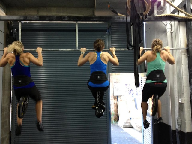 CrossFit Girl Pullups: Brooke Surtees, Stacey Harris, Claire Champine