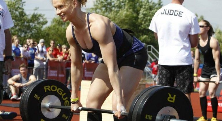Annie Thorisdottir Deadlift